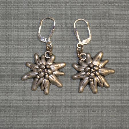 Edelweiss dangling earrings
