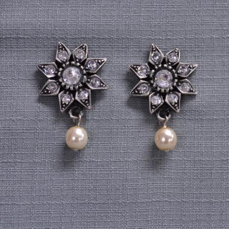 Floral diamond and pearl earrings