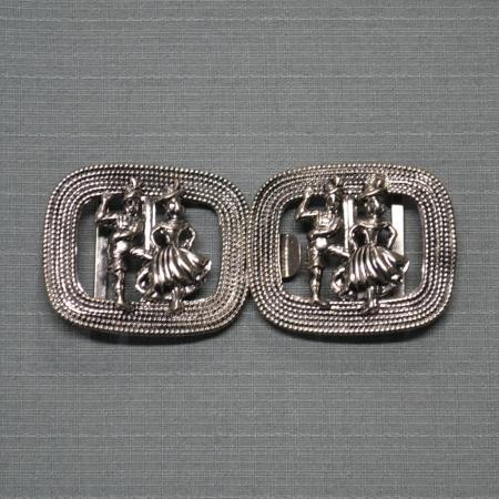 silver apron clip