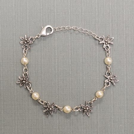 edelweiss pearl bracelet