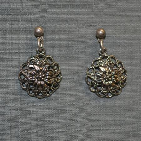filigree edelweiss post earrings
