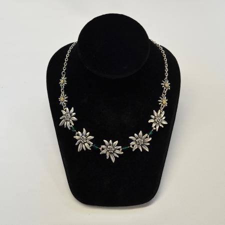 Edelweiss necklace with green beads