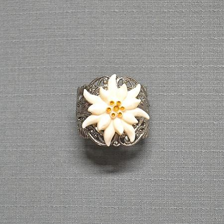 white edelweiss tie ring