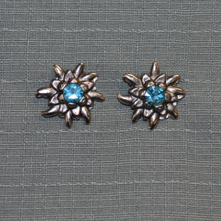 Edelweiss stud earrings